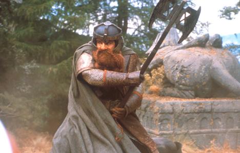 John Rhys-Davis als Gimli